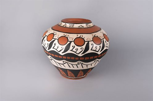 Image of clay pot from exhibition